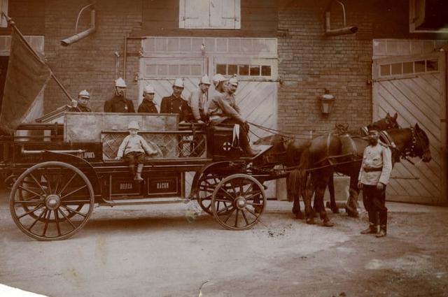 Ермолова одной из первых поддержала идею создания детских пожарных команд.