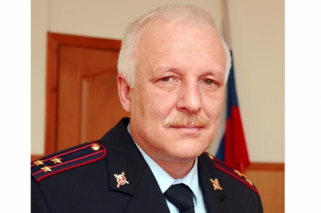 Геолог по образованию Олег Кнаус случайно зашел в милицию и решил остаться.