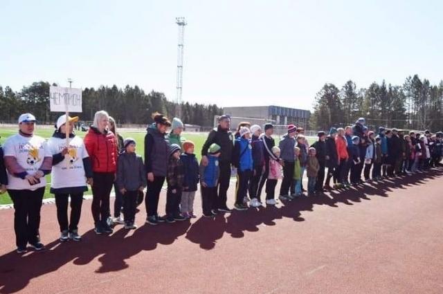 В спортивных состязаниях встретились 13 семей.