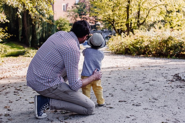 Находить время для общения с ребенком - обязанность не только мамы.