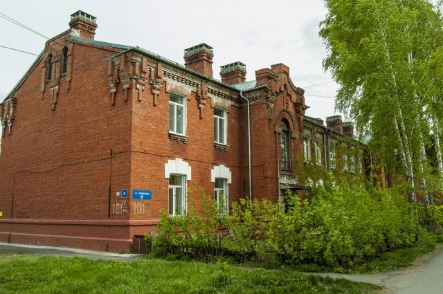 Улица Полосухина, 16 военный городок
