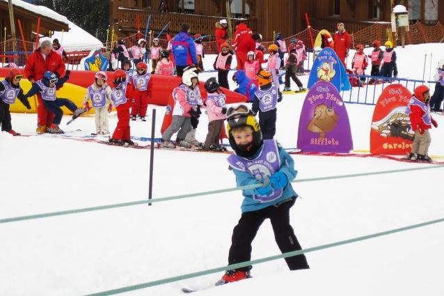 Не стоит брать детям лыжи «на вырост».