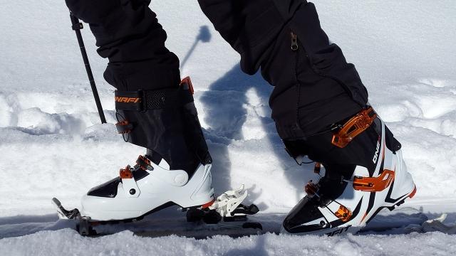 Хороший лыжный ботинок должен быть невысоким, мягким и слегка великоватым.