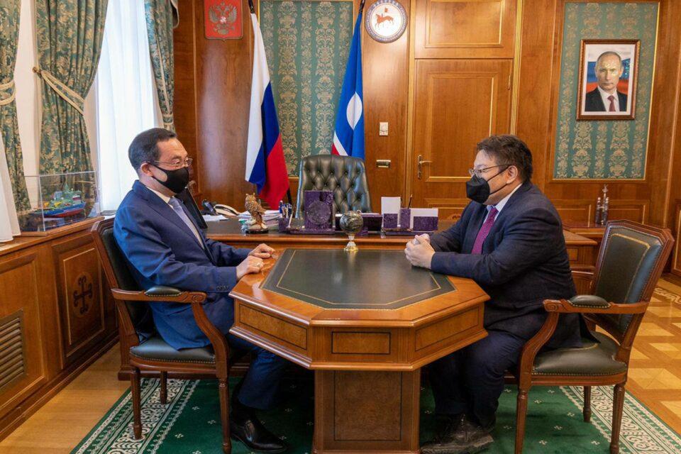 Ректор МАН на встрече с главой республики Айсеном Николаевым.