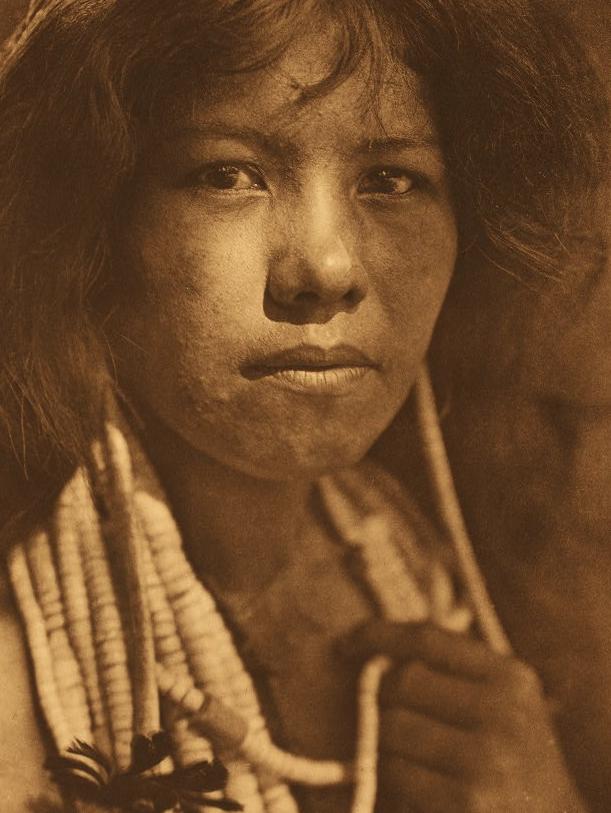 Девушка из народа помо, начало XX века. Фото: Эдвард Кёртис.