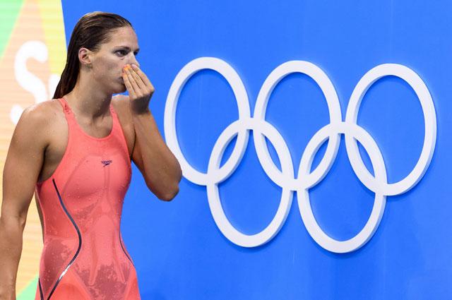 Именно в таких костюмах теперь выступают спортсменки. На фото - Юлия Ефимова, завоевавшая серебряную медаль На Олимпиаде в Бразилии.