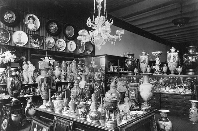 Tiffany & Co. Склад с фарфоровыми изделиями (1887)