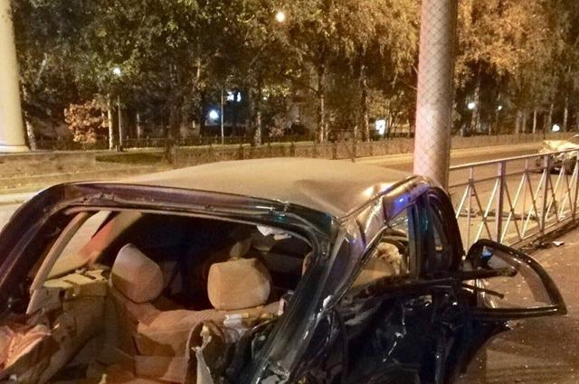 Пассажиры автомобиля не были пристёгнуты.
