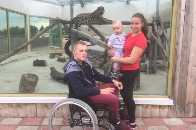 Леша Сеитов с женой Аней и сыном Львом.