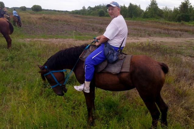 Хабаровчанин Олег Наговицын при падении с лошади отделался ушибом.