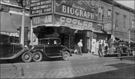 Снимок кинотеатра Байограф, сделанный спустя шесть дней после задержания Джона Диллинджера
