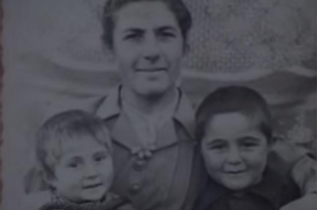 Жена Феликса Калачяна с детьми.