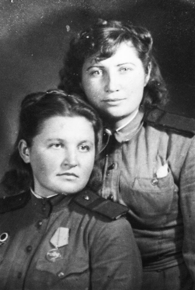 Клава Рубанова (слева) и Надя Гриценко