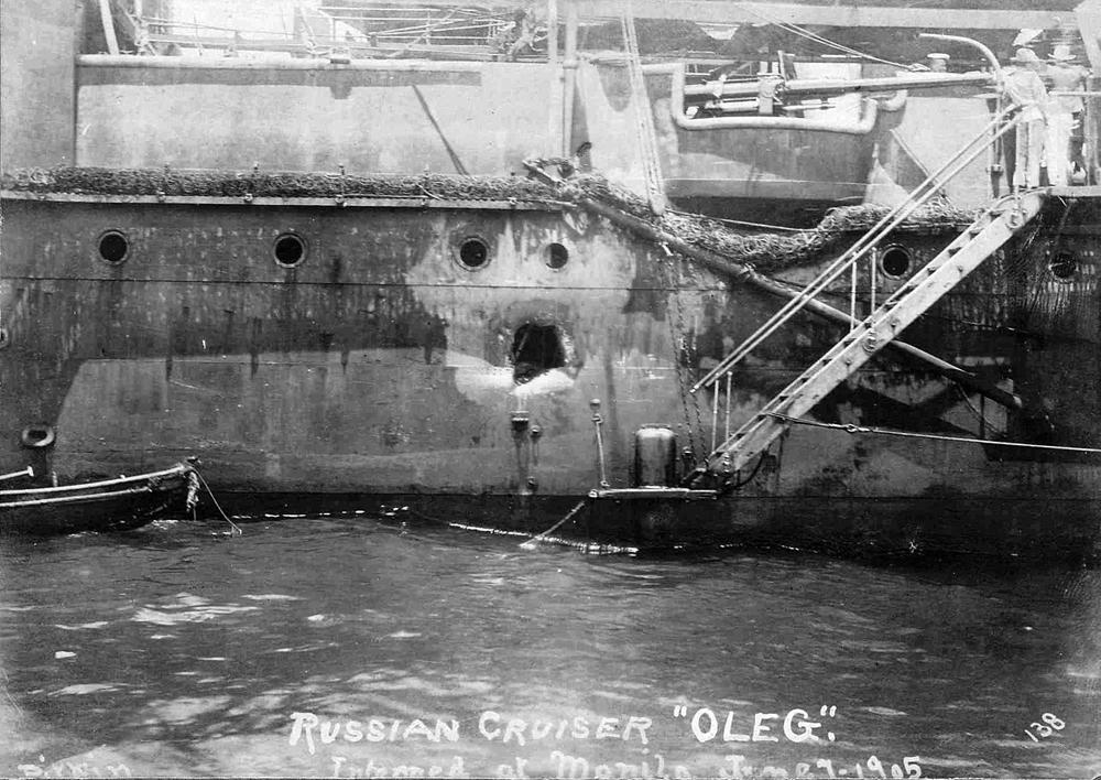 Крейсер I ранга «Олег» после Цусимского боя.
