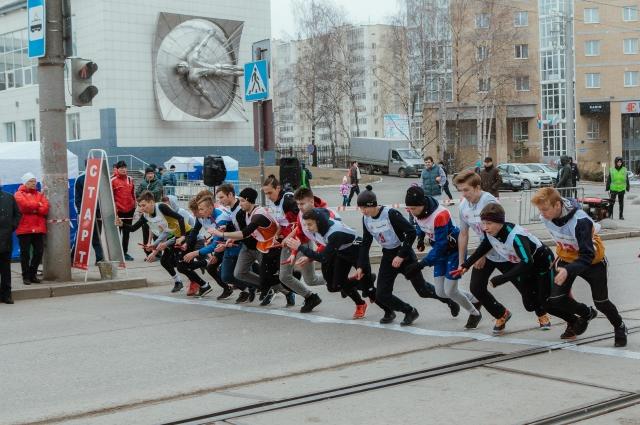 27 апреля на старты вышли 52 команды, а это почти девятьсот участников.
