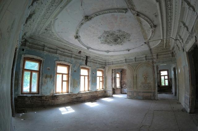 В усадьбе Городисского в Оренбурге пока еще даже сохранились росписи на стенах, но хозяина у дома так и нет.