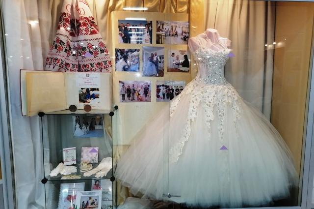 По поверьям, своё свадебное платье надо хранить, чтобы брак был счастливым.