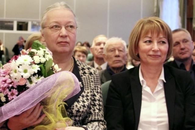 Автор книги Галина Захарова (слева)
