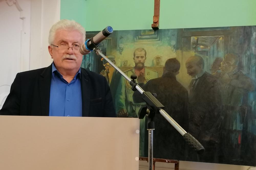 Сергей Савенко видит в новой книге историческую ценность.