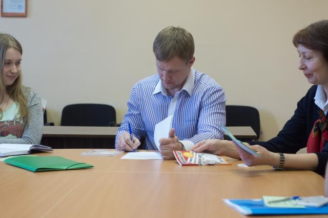 Василий Прокопов на занятии в Школе межэтнической журналистики.