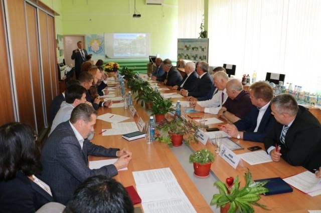 Министр сельского хозяйства и продовольствия Омской области Максим Чекусов подробно рассказал о результатах работы агропромышленного комплекса в 2016 году.