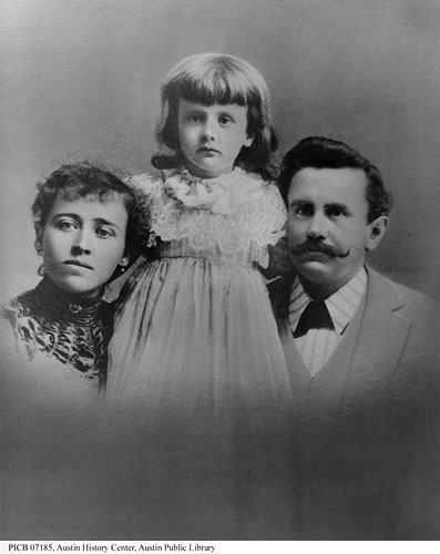 Уильям Портер с семьёй (дочь Маргарет и супруга Этол) в начале 1890-х.
