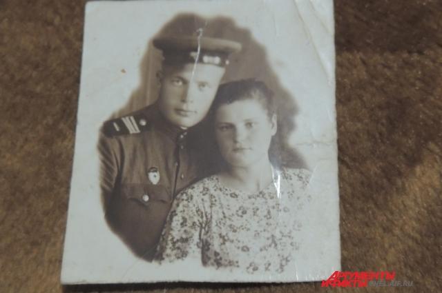 Женился ветеран сразу после войны. Любимая Риммочка давно умерла, и Рогозин новую семью не завел.