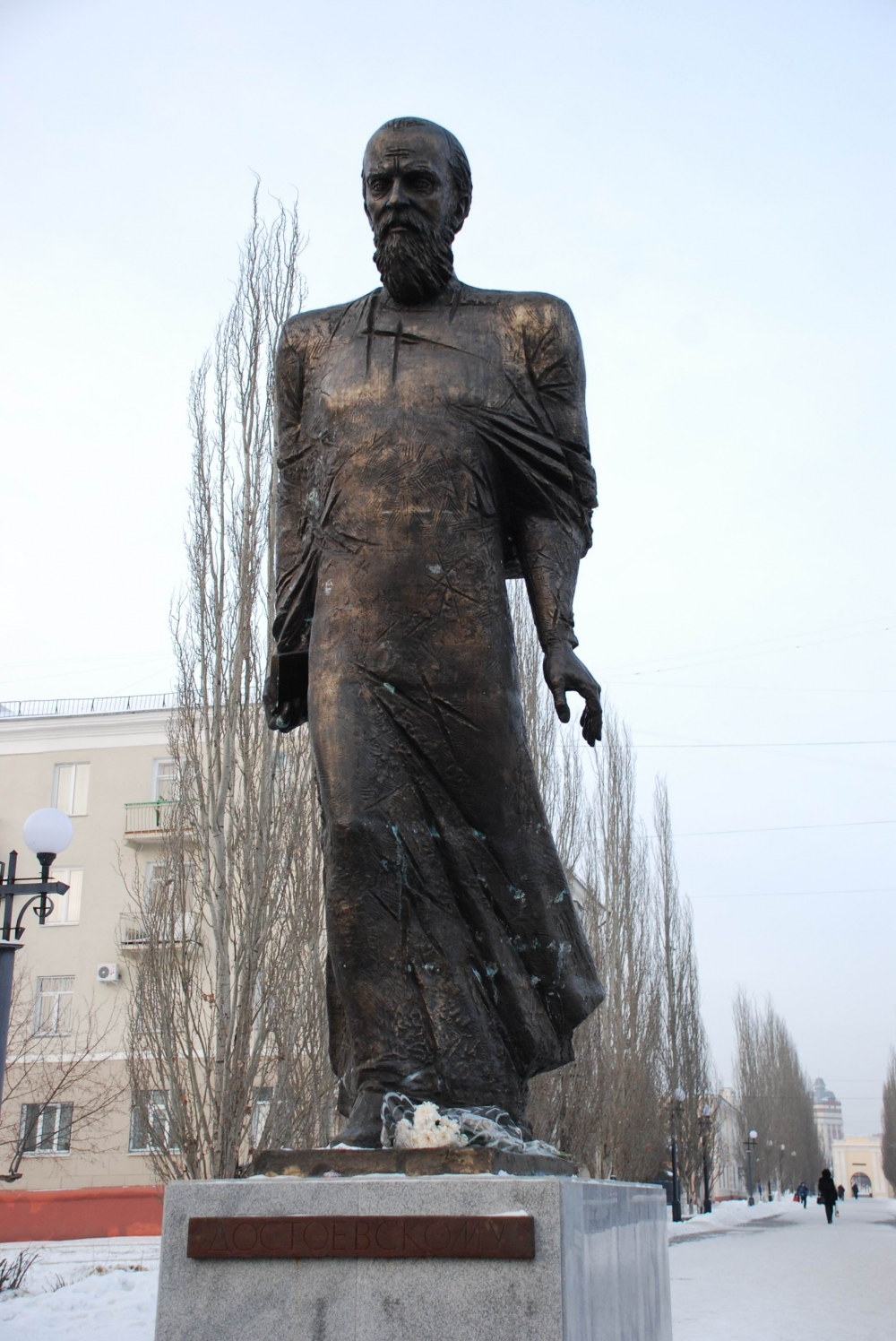 Фёдор Михайлович Достоевский скульптора Голованцева.