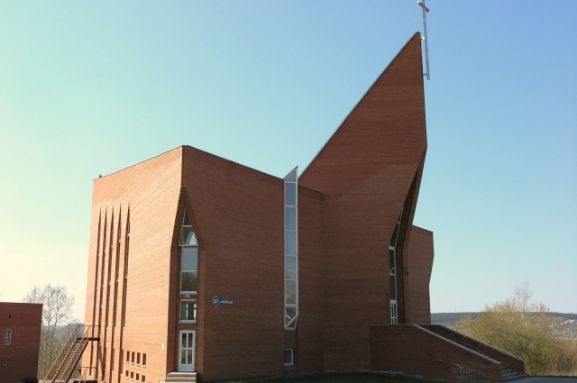 Евангелистская церковь Возрождение на улице Терешковой