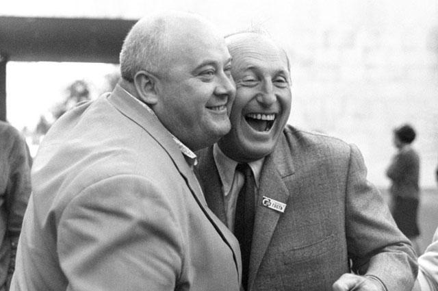 V Международный кинофестиваль в Москве. Два артиста-комика кино Евгений Моргунов (СССР) и Пьер Бурвиль (Франция). 1967 год