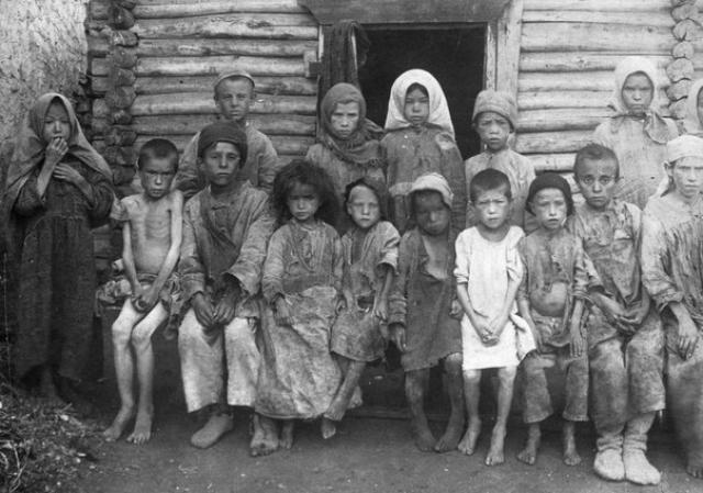 Голодающие дети, 1921 год.