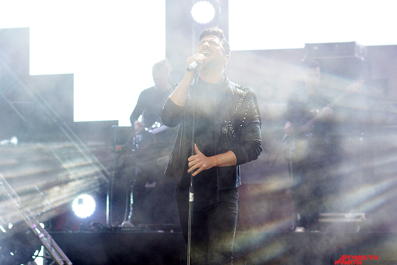 Выступление музыканта получилось ярким и зрелищным.