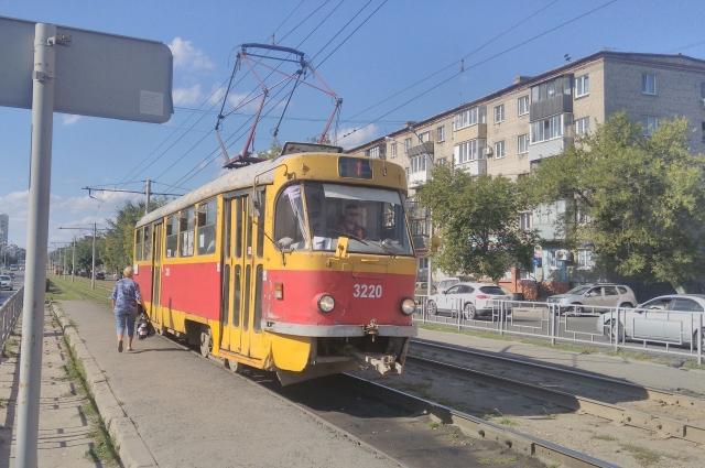 А в Кемерове трамваи новее, чем в Барнауле. И проезд дешевле. В Барнауле - 19 рублей.