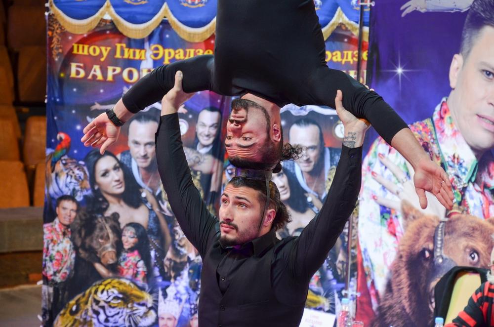 Братья Варданян стали победителями юбилейного сезона «Минуты славы» на Первом канале. Один из номеров Геворг и Андраник показали на предпремьерном показе.