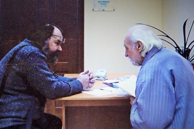 Сергей Григорьев и его научный руководитель - преподаватель САФУ, учёный и поэт Василий Матонин.