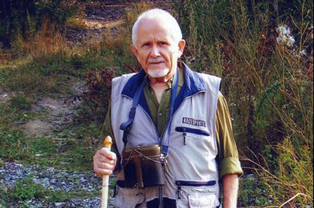 Первооткрыватель уральских дольменов Анатолий Бодрых.