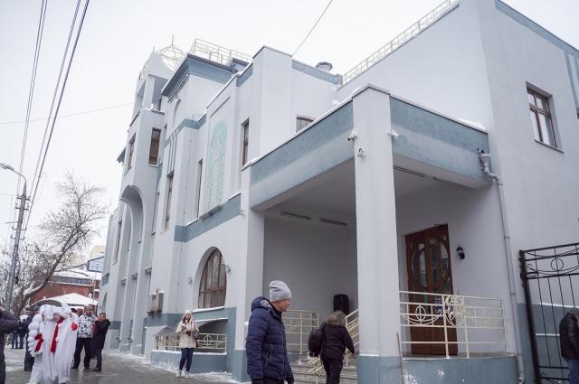 В реконструкцию театра вложено более 1 млрд рублей, около трети от этих средств выделили в компании АО «Транснефть-Приволга».