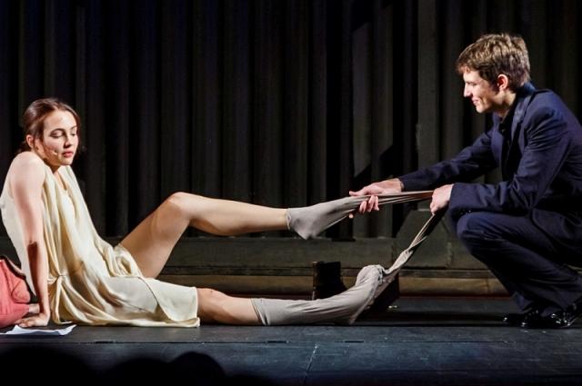Марчелли любит демонстрировать любовь на сцене.