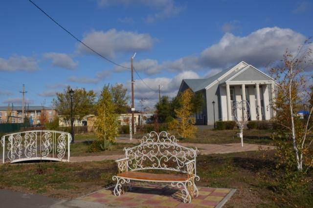 Новый сквер в Беляевке не похож на прежние места отдыха.