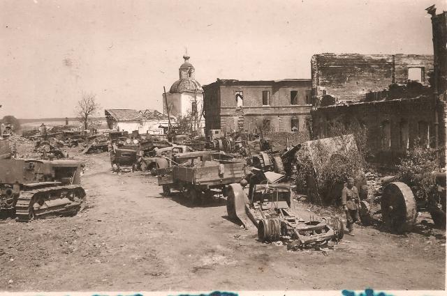 Коротояк после бомбежки лежал в руинах.