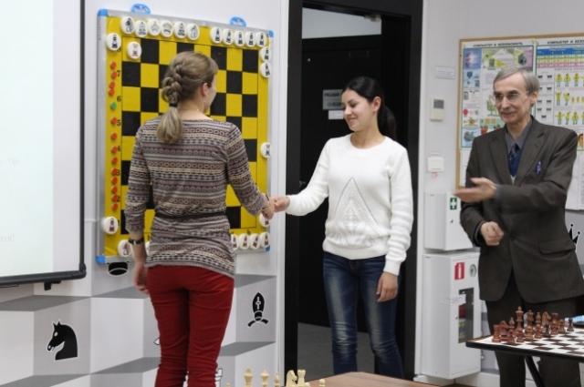 В 5-11 классах занятия по шахматам  проводятся как кружки.