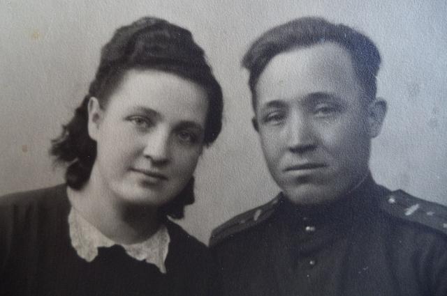 Михаил Никишин в молодости с женой
