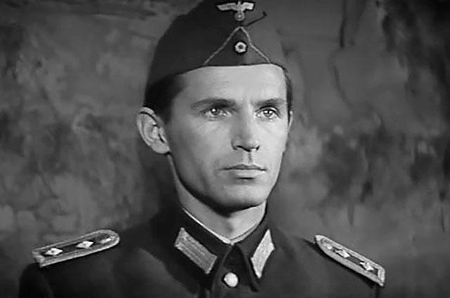 Кадр из фильма «Щит имеч» (1968).