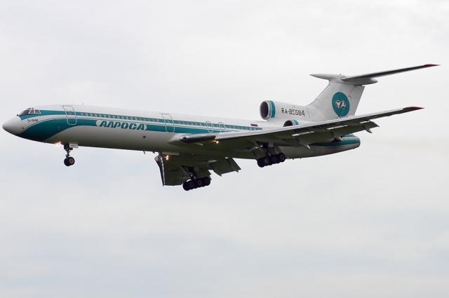 7 сентября 2010 года на борту ТУ-154, выполнявшей рейс из Якутии в Москву, полностью пропало электричество. Топлива оставалось мало, и командир решил снижаться.
