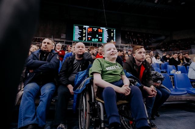 Миша Ерин на баскетбольном матче команды «ПАРМА»