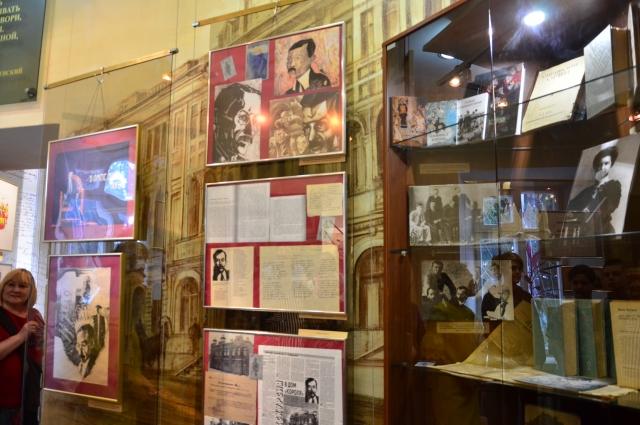 Экспозиция литературного музея открыта для посетителей.