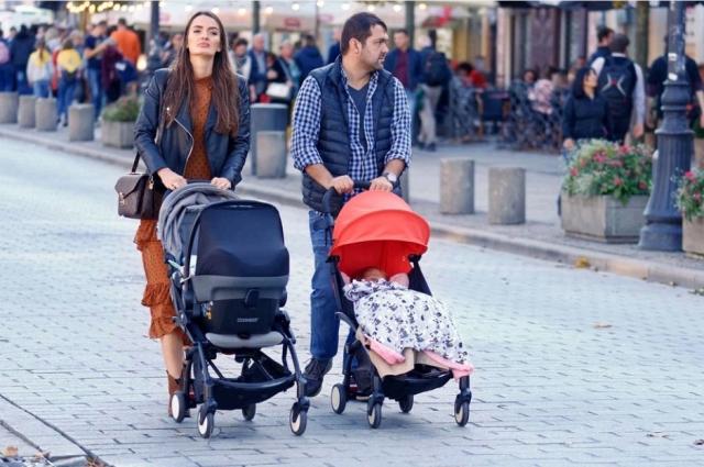 Проблемы социального паразитизма у нас нет. И рожать ради денег троих детей в Петербурге вряд ли будут.
