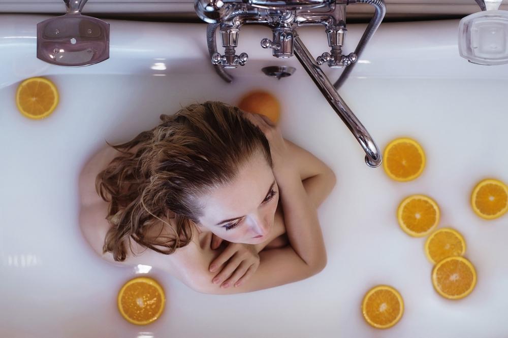 Выбирайте для ароматических ванн любимые запахи, чтобы процедура стала для вас блаженством.