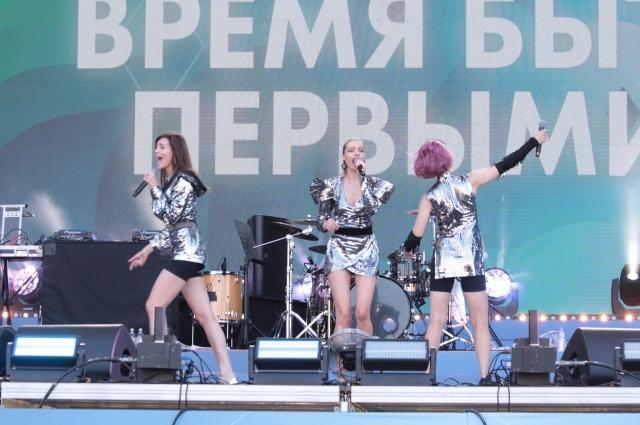 Группа «Фабрика» выступила сначала в Кемерове, а потом в Новокузнецке