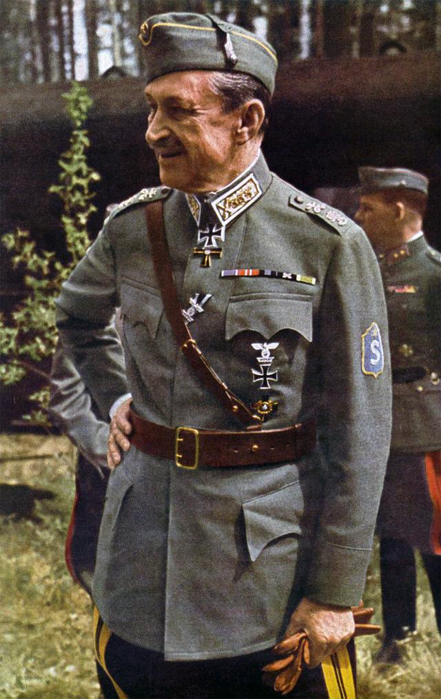 Густав Маннергейм в 1942 году.